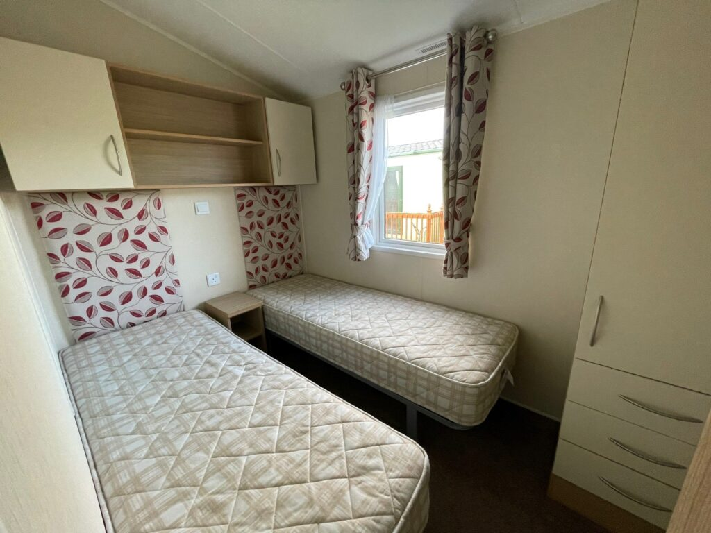 Twin Bedroom, Willerby Brockenhurst Holiday Home, Bay View Holiday Park, North West, Morecambe Bay