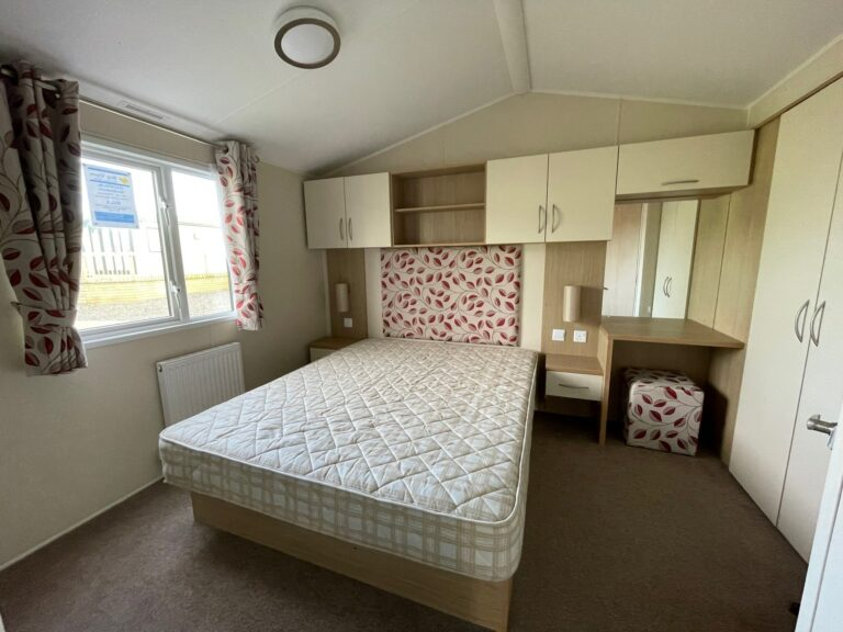Bedroom, Willerby Brockenhurst Holiday Home, Bay View Holiday Park, North West, Morecambe Bay