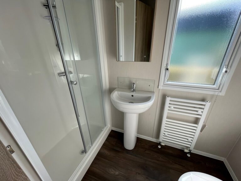 2020 Willerby Sierra at Bay View Holiday Park - Bathroom