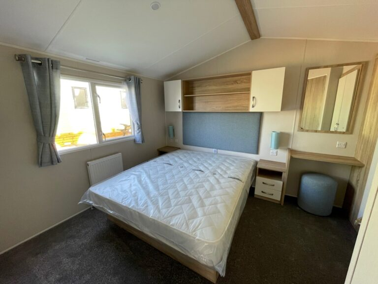 2020 Willerby Sierra at Bay View Holiday Park - Bedroom