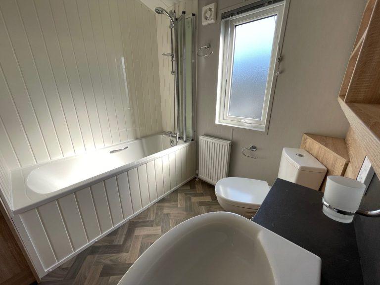 2021 Willerby Pinehurst at The Cove - Bathroom