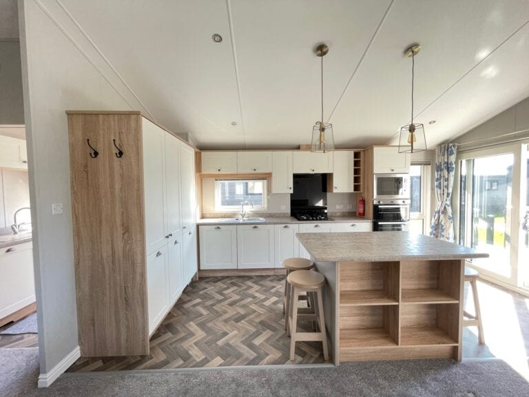 2021 Willerby Pinehurst at The Cove - Kitchen with island