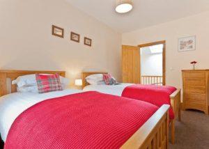 Holgates Hollins Farm Holiday Cottage- Twin Bedroom
