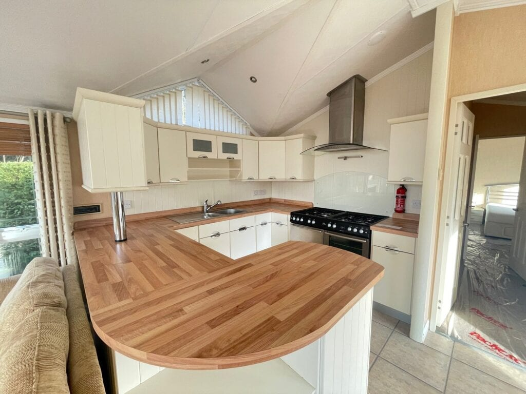 Previously Owned 2006 Willerby New Hampshire at Silver Ridge Cumbria South Lakes - Holgates - Kitchen