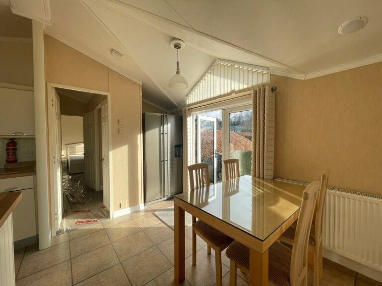 Previously Owned 2006 Willerby New Hampshire at Silver Ridge Cumbria South Lakes - Holgates - Dining room