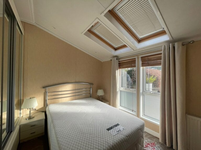 Previously Owned 2006 Willerby New Hampshire at Silver Ridge Cumbria South Lakes - Holgates - Bedroom view