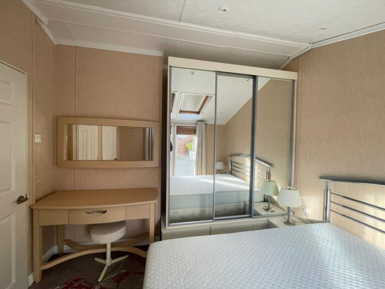 Previously Owned 2006 Willerby New Hampshire at Silver Ridge Cumbria South Lakes - Holgates - Master Bedroom