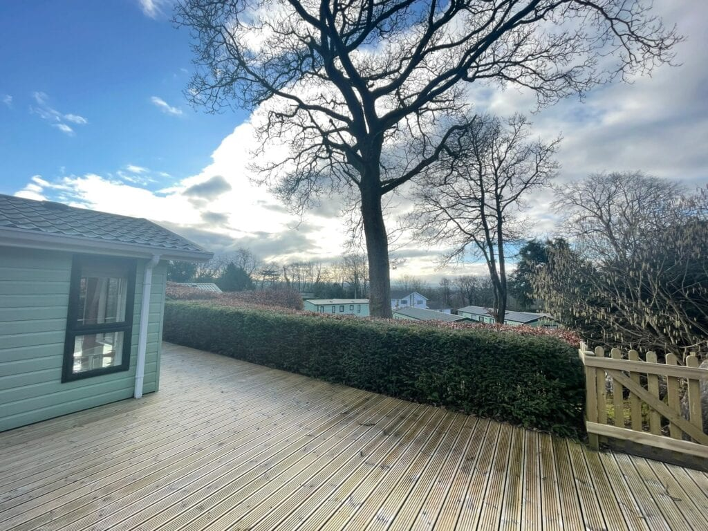 Previously Owned 2006 Willerby New Hampshire at Silver Ridge Cumbria South Lakes - Holgates - Deck