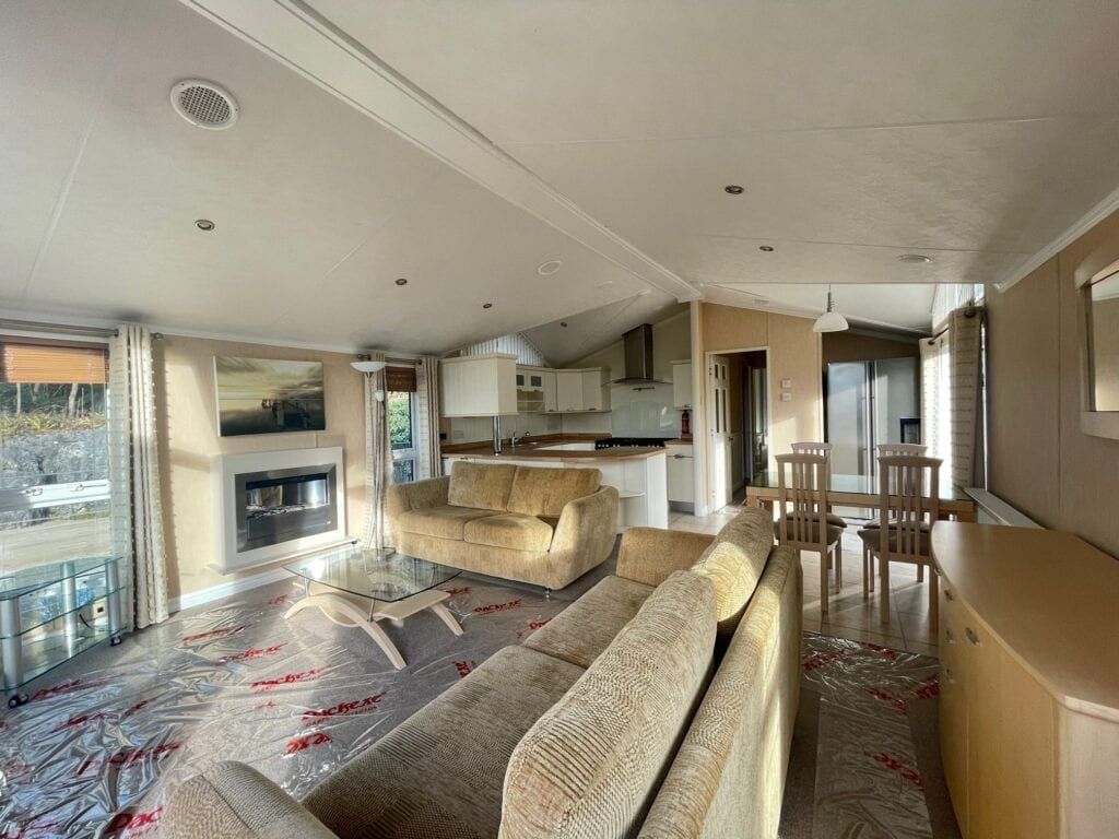 Previously Owned 2006 Willerby New Hampshire at Silver Ridge Cumbria South Lakes - Holgates - Lounge, kitchen, and dining room
