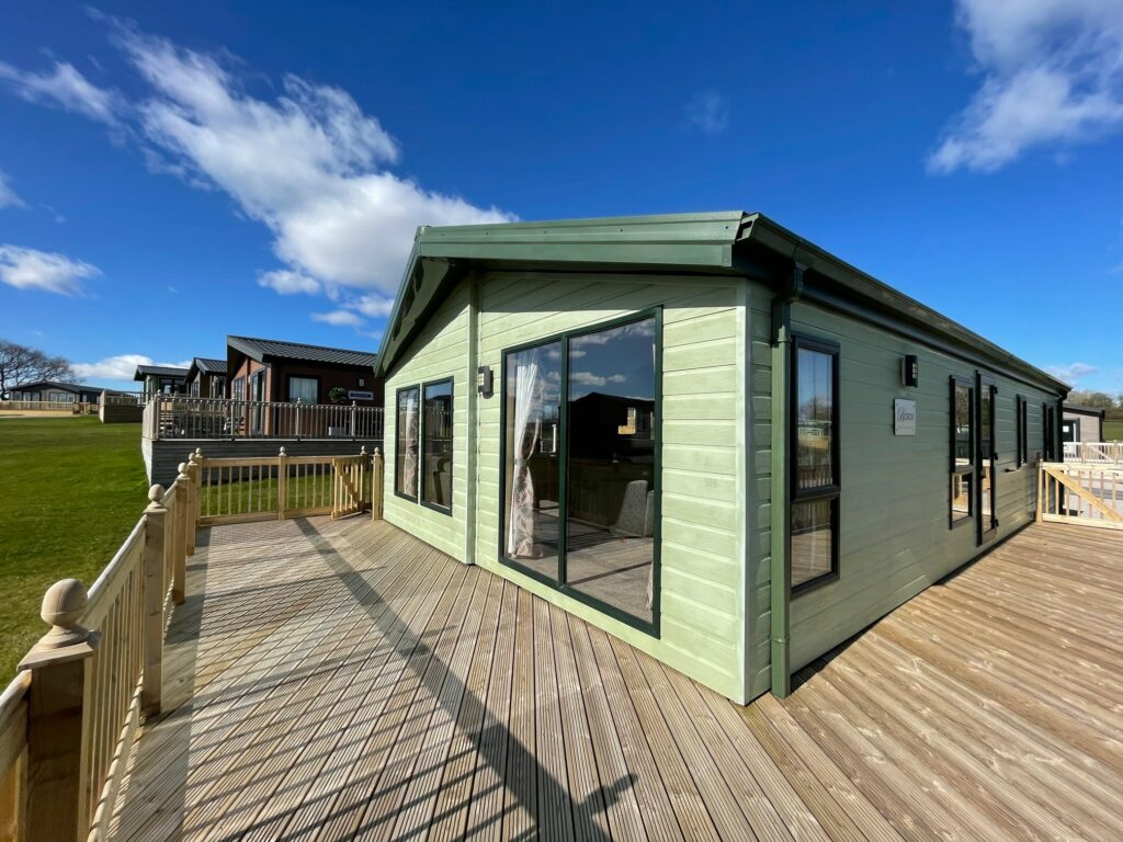 Previously Owned 2011 Willerby Boston Lodge at Holgates Ribble Valley (6)-min