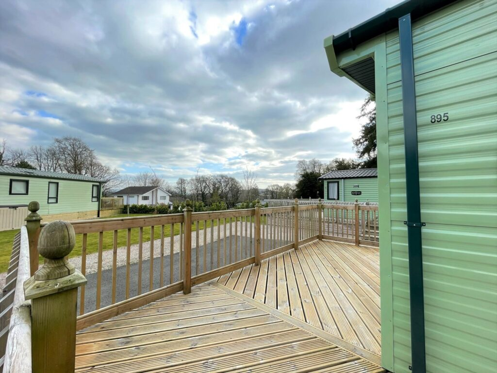 Previously Owned 2017 Willerby Canterbury at Silver Ridge Holiday Park (3)-min