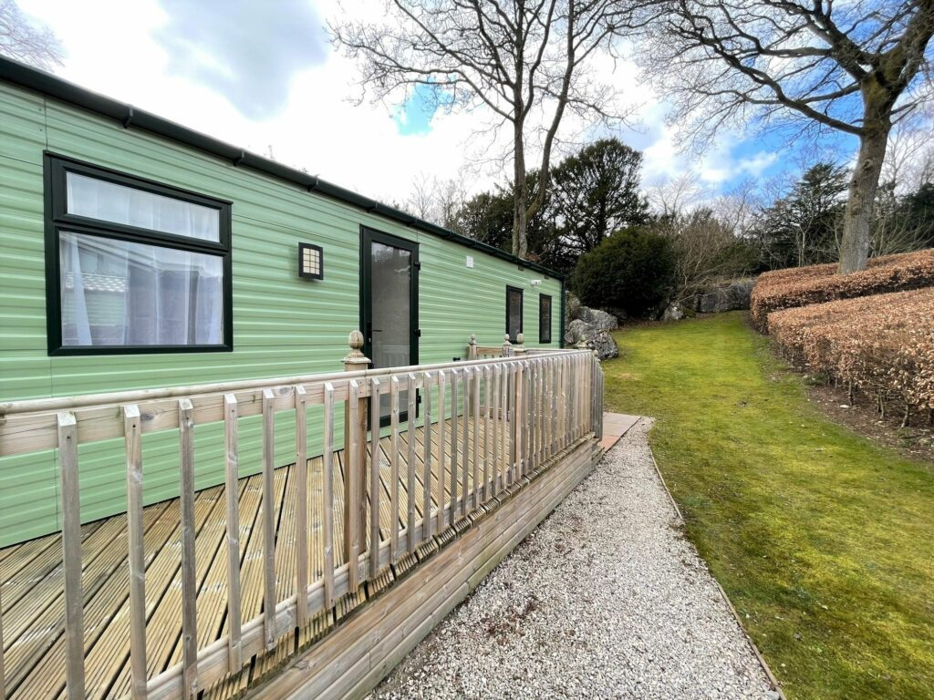 Previously Owned 2017 Willerby Canterbury at Silver Ridge Holiday Park (4)-min