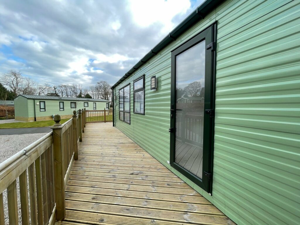 Previously Owned 2017 Willerby Canterbury at Silver Ridge Holiday Park (5)-min