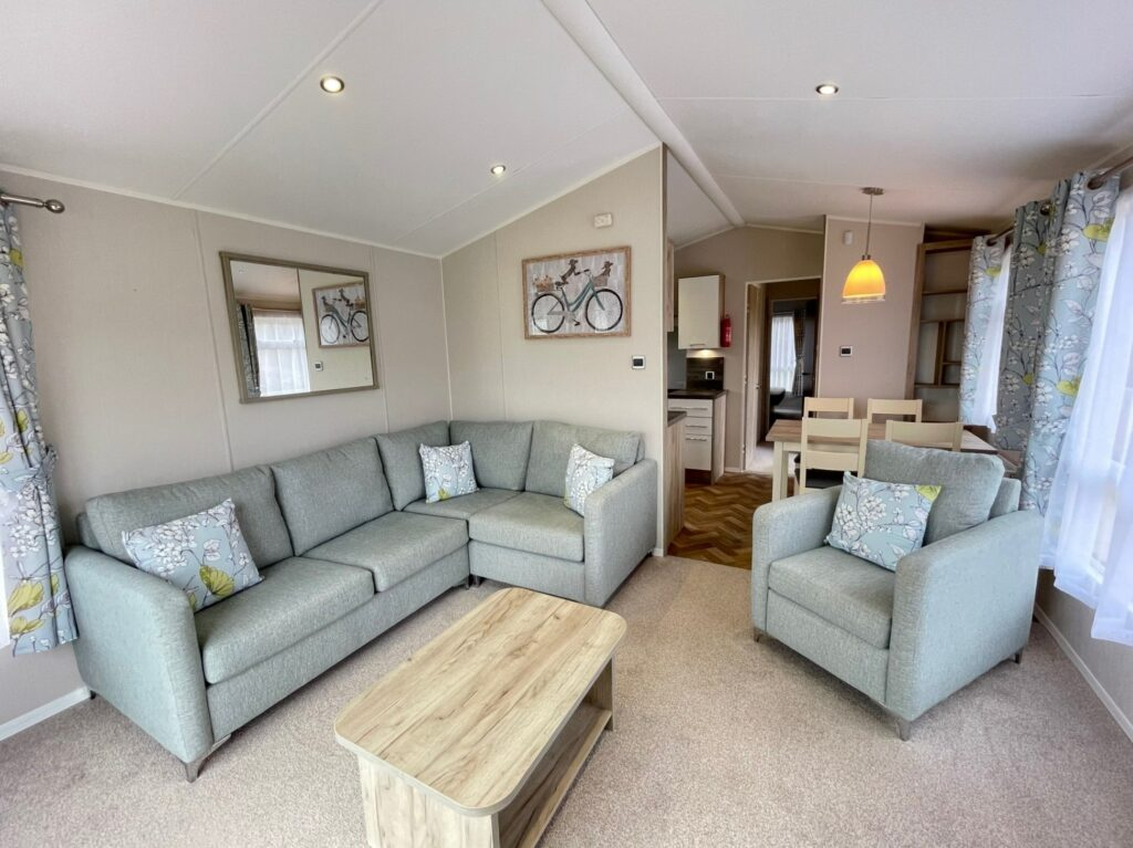 Previously Owned 2017 Willerby Canterbury at Silver Ridge Holiday Park (7)-min
