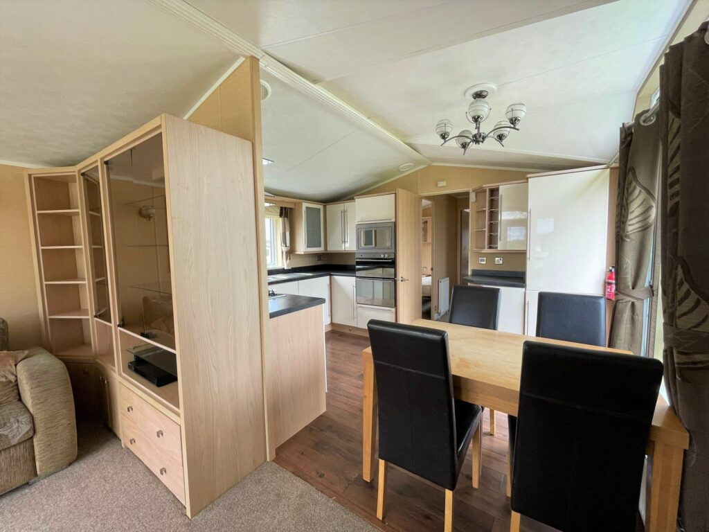 Previously Owned 2011 Willerby Vogue at Holgates Ribble Valley (4)-min