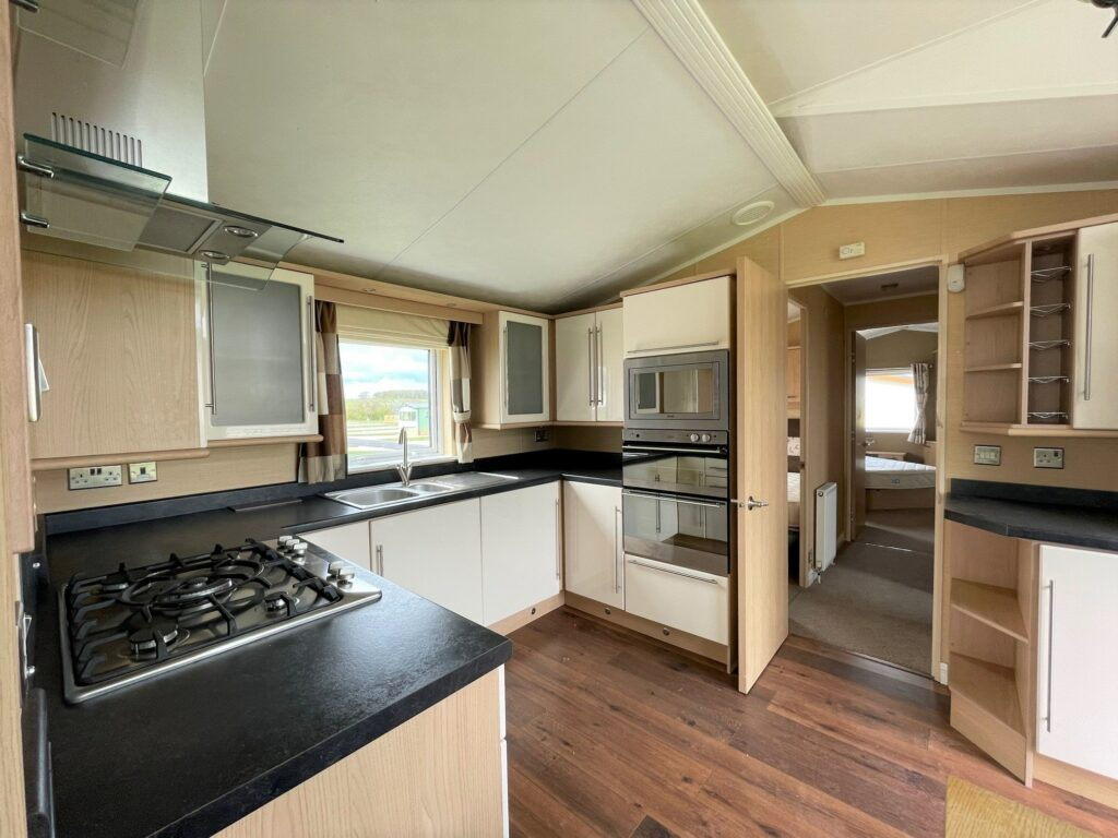 Previously Owned 2011 Willerby Vogue at Holgates Ribble Valley (5)-min