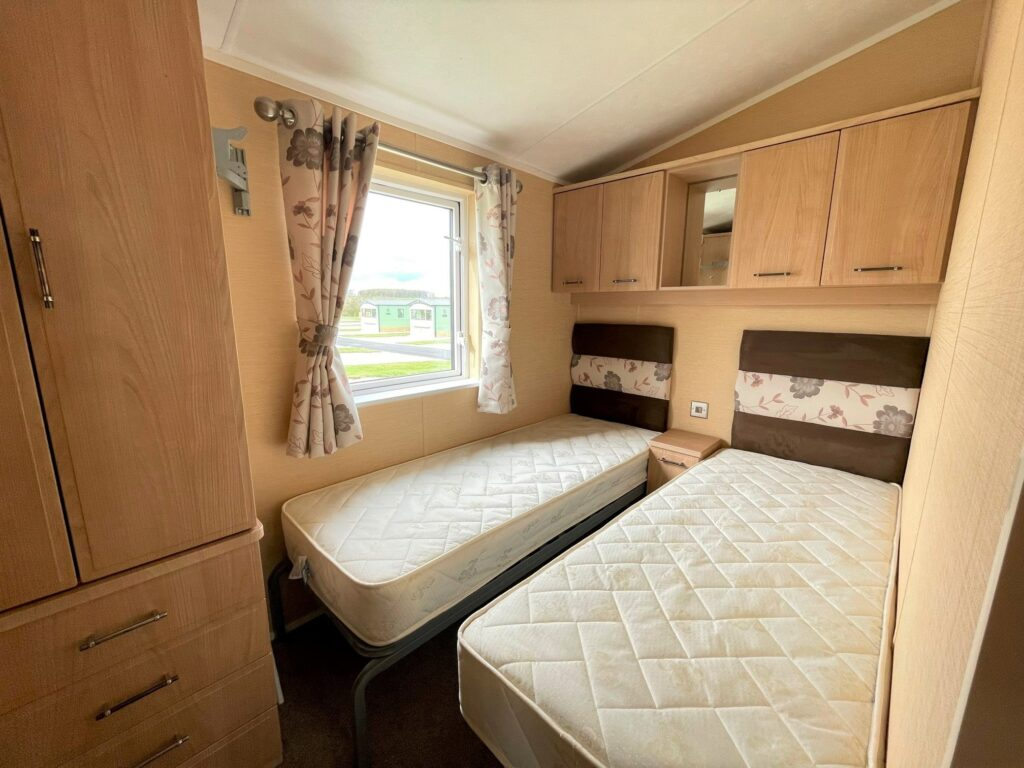 Previously Owned 2011 Willerby Vogue at Holgates Ribble Valley (8)-min