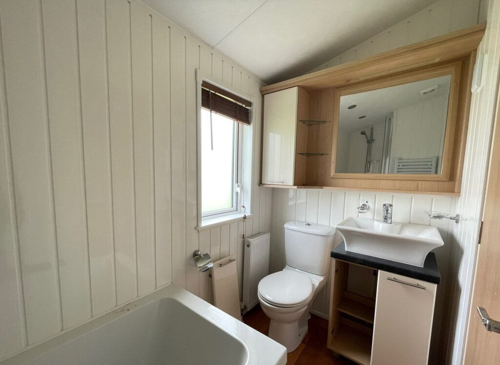 Previously Owned 2011 Willerby Vogue at Holgates Ribble Valley (9)-min