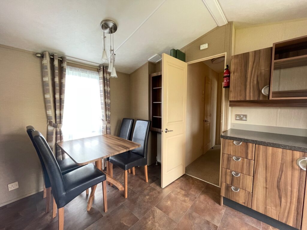 Previously Owned 2011 Willerby Winchester at Holgates Ribble Valley (4)
