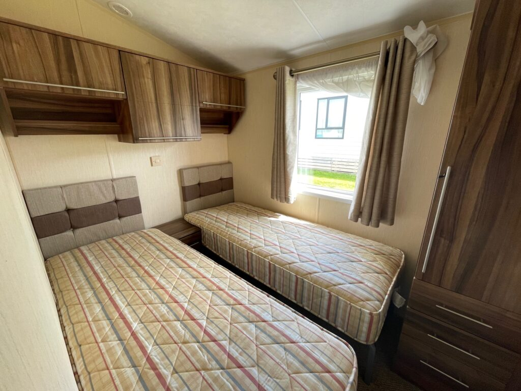 Previously Owned 2011 Willerby Winchester at Holgates Ribble Valley (7)