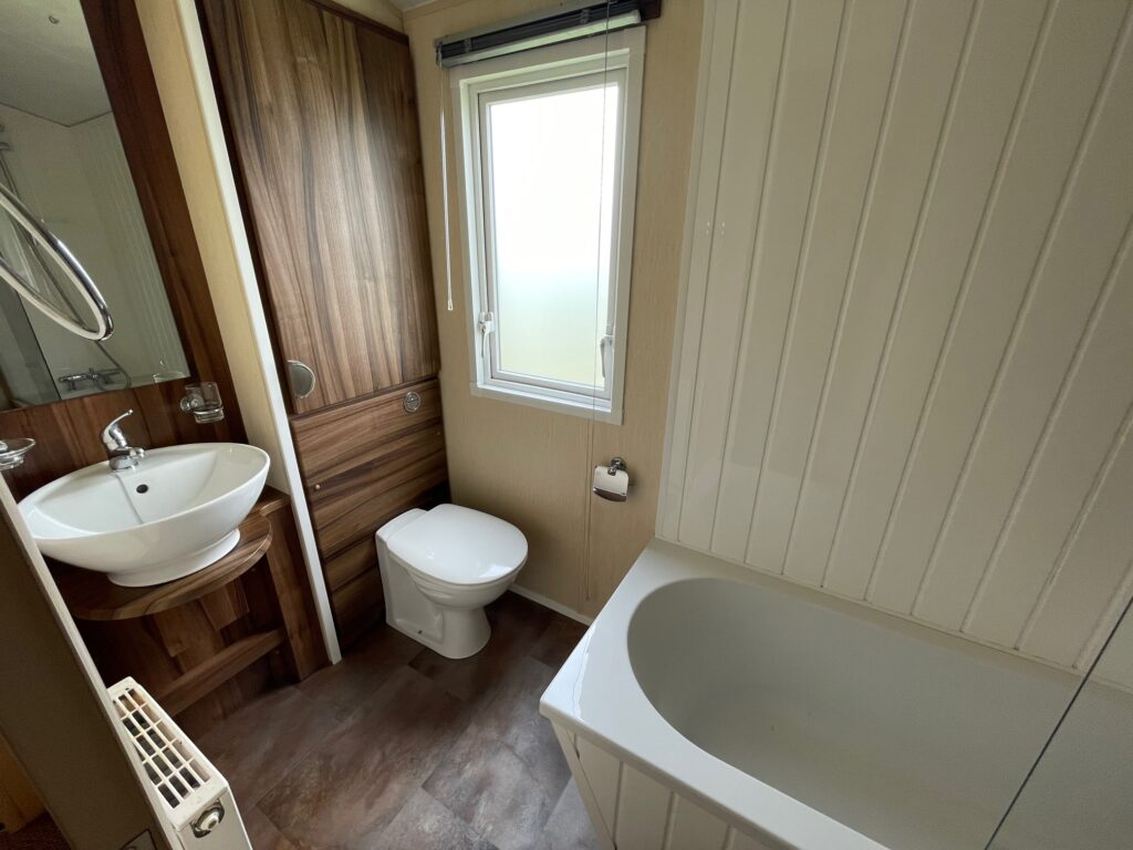 Previously Owned 2011 Willerby Winchester at Holgates Ribble Valley (8)