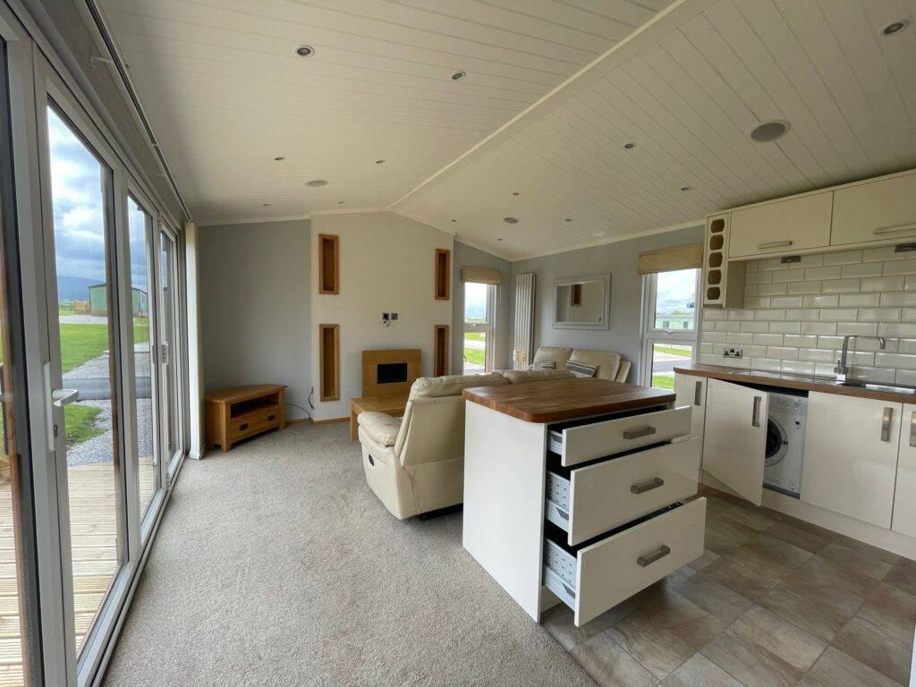 Previously Owned 2014 Lakeland Sorrento Lodge0-min