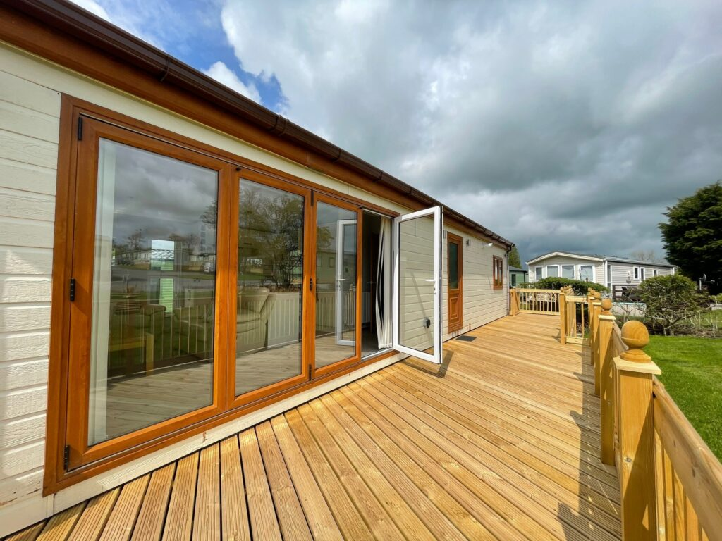 Previously Owned 2014 Lakeland Sorrento Lodge14-min
