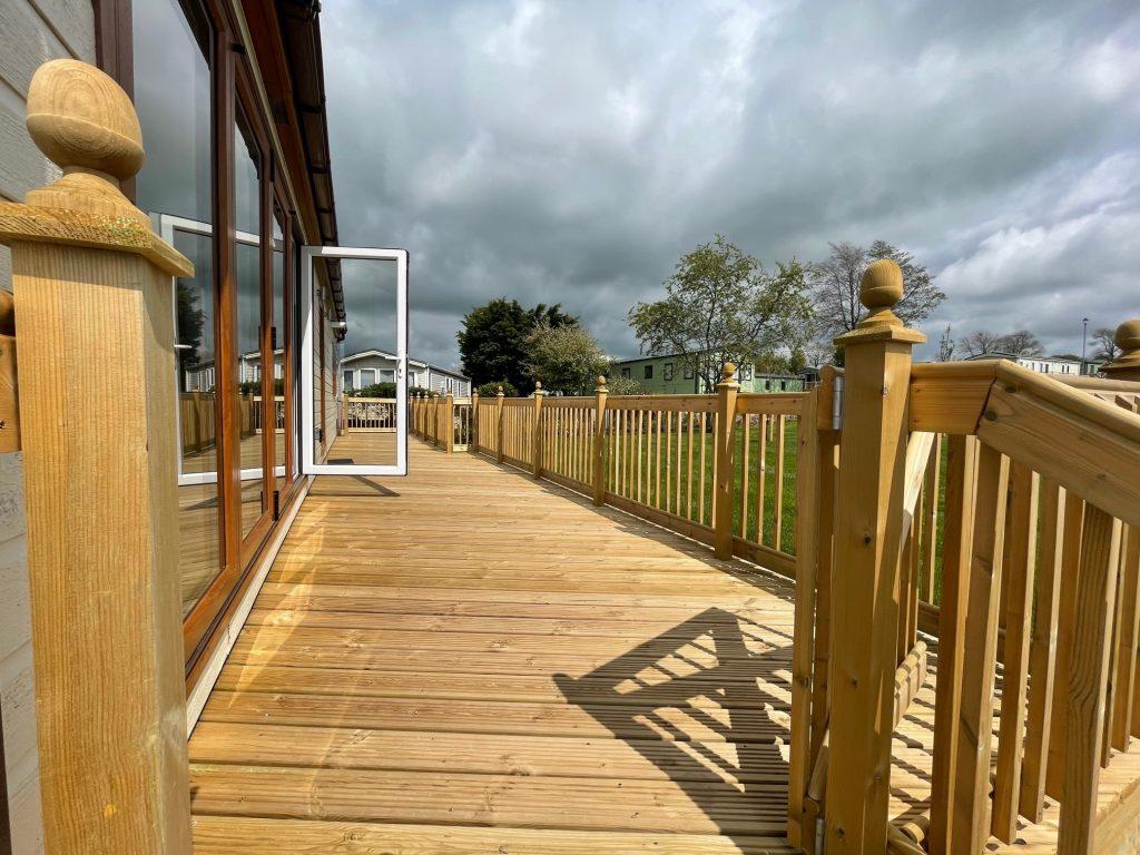 Previously Owned 2014 Lakeland Sorrento Lodge15-min