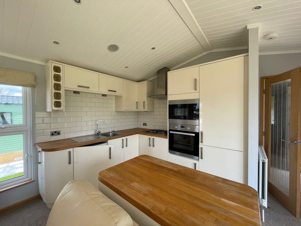 Previously Owned 2014 Lakeland Sorrento Lodge2-min
