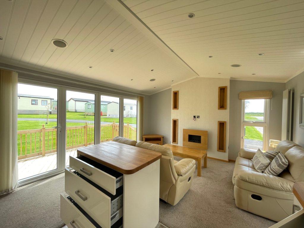 Previously Owned 2014 Lakeland Sorrento Lodge3-min