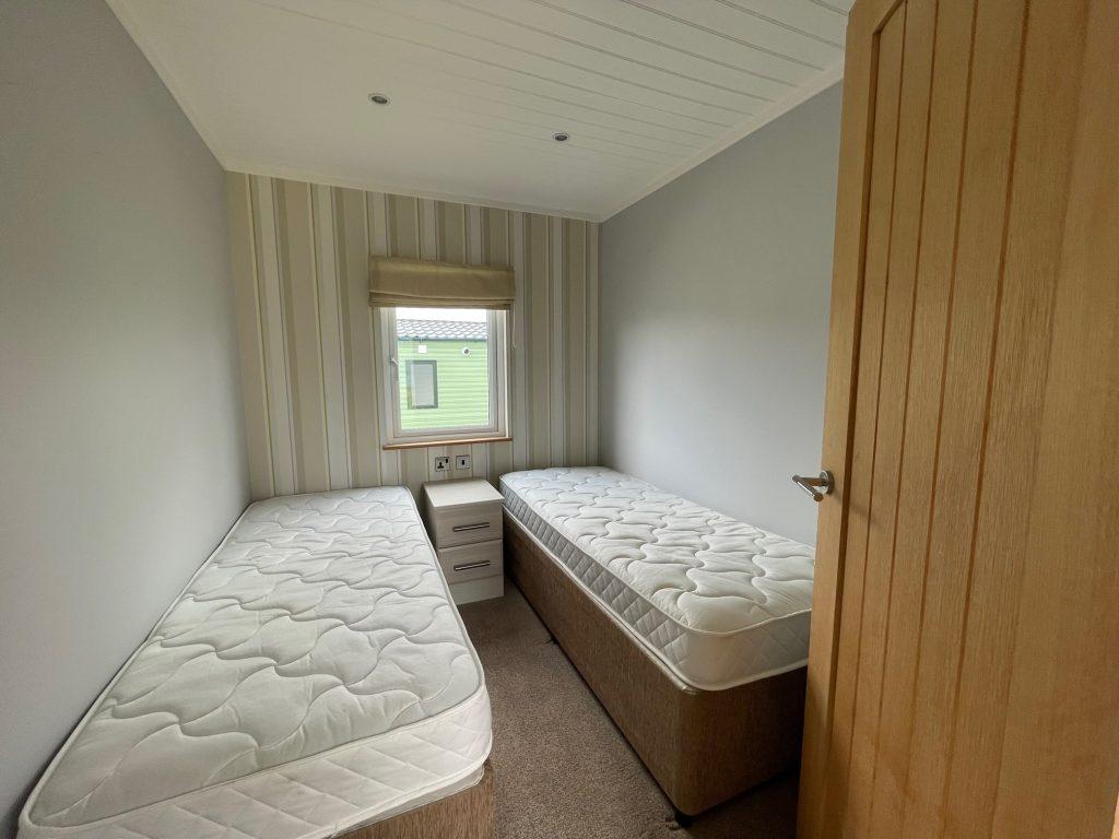Previously Owned 2014 Lakeland Sorrento Lodge5-min