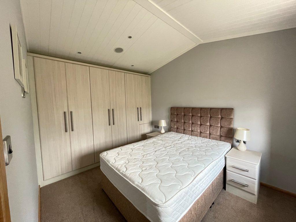 Previously Owned 2014 Lakeland Sorrento Lodge7-min