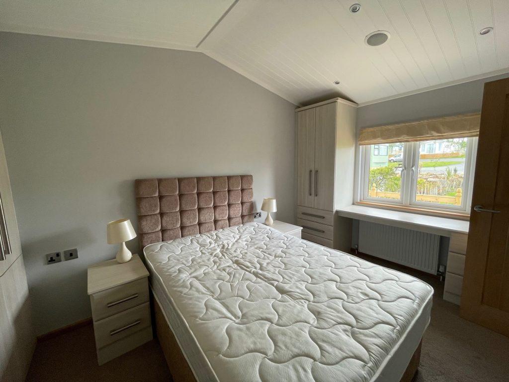 Previously Owned 2014 Lakeland Sorrento Lodge8-min