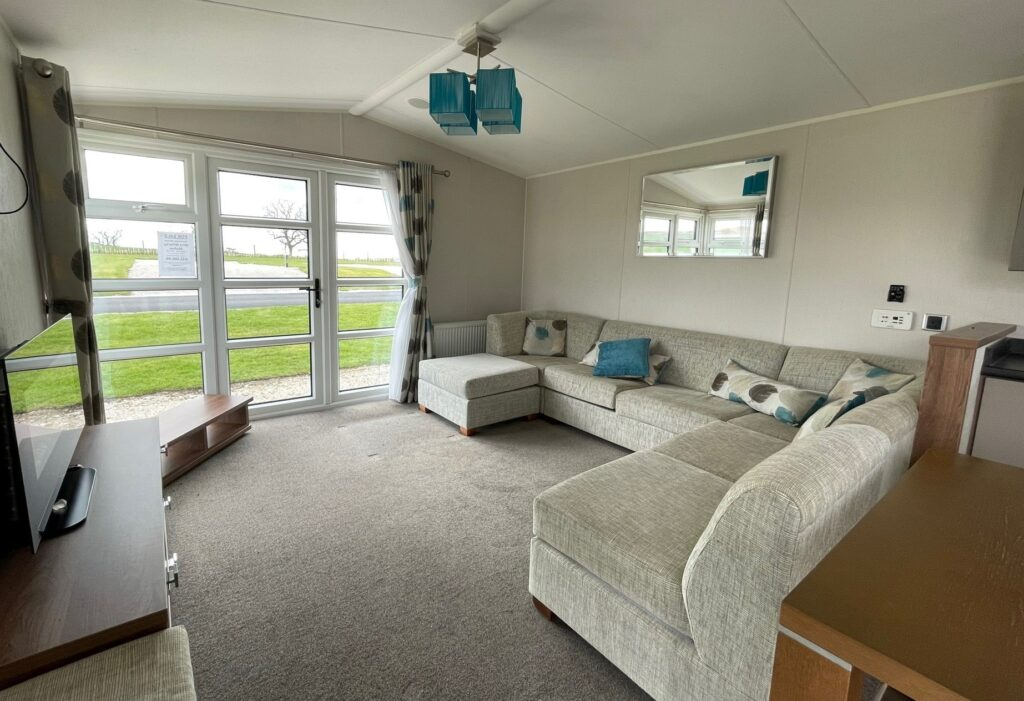 Previously Owned 2014 Willerby Skyline at Holgates Ribble Valley (1)-min