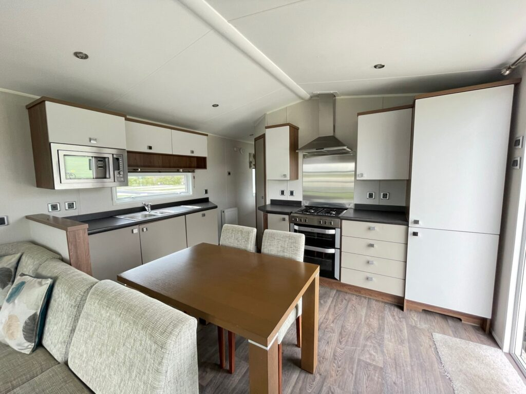 Previously Owned 2014 Willerby Skyline at Holgates Ribble Valley (2)-min