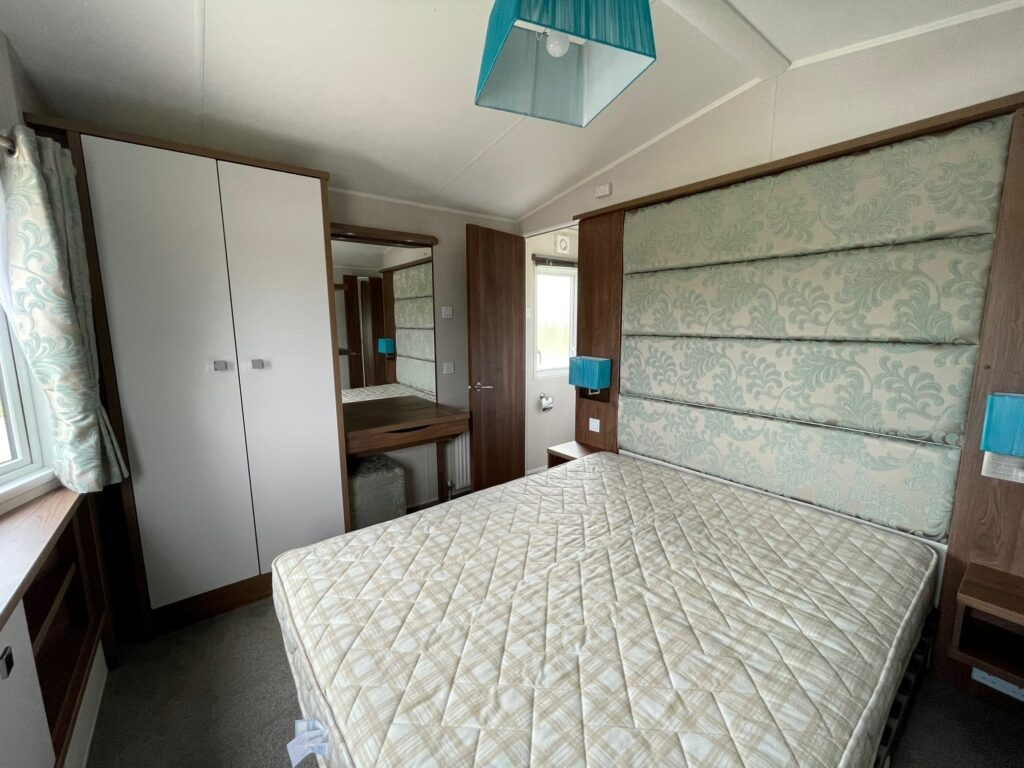 Previously Owned 2014 Willerby Skyline at Holgates Ribble Valley (8)-min