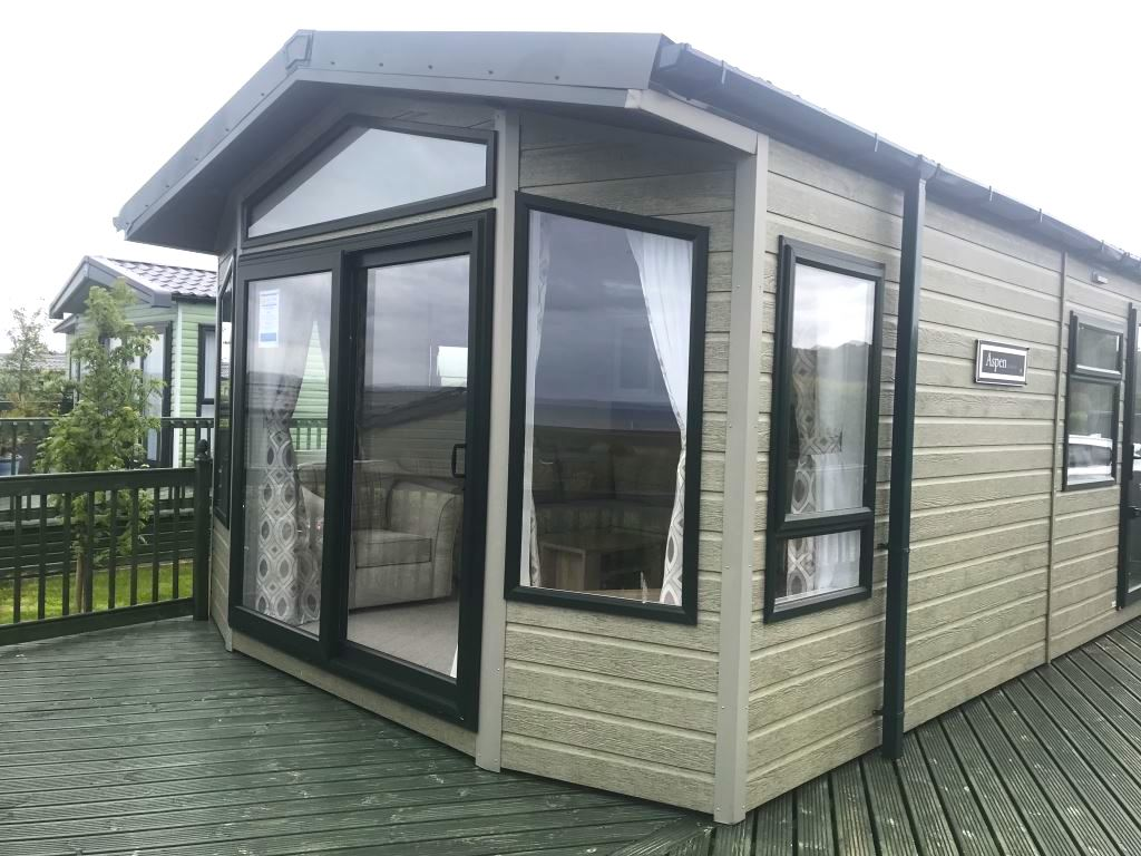Previously Owned 2018 Willerby Aspen Lodge at Bay View12-min
