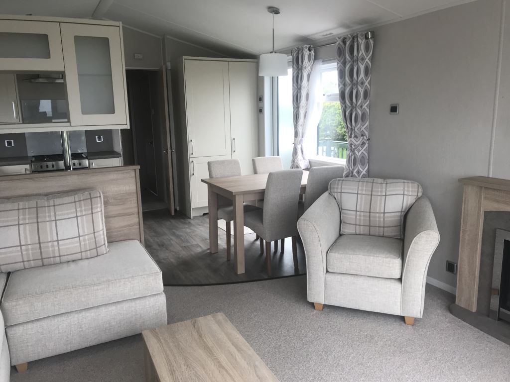 Previously Owned 2018 Willerby Aspen Lodge at Bay View4-min