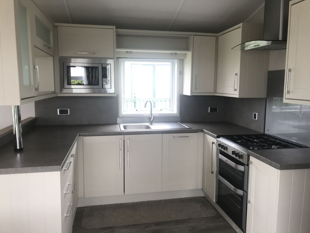 Previously Owned 2018 Willerby Aspen Lodge at Bay View5-min