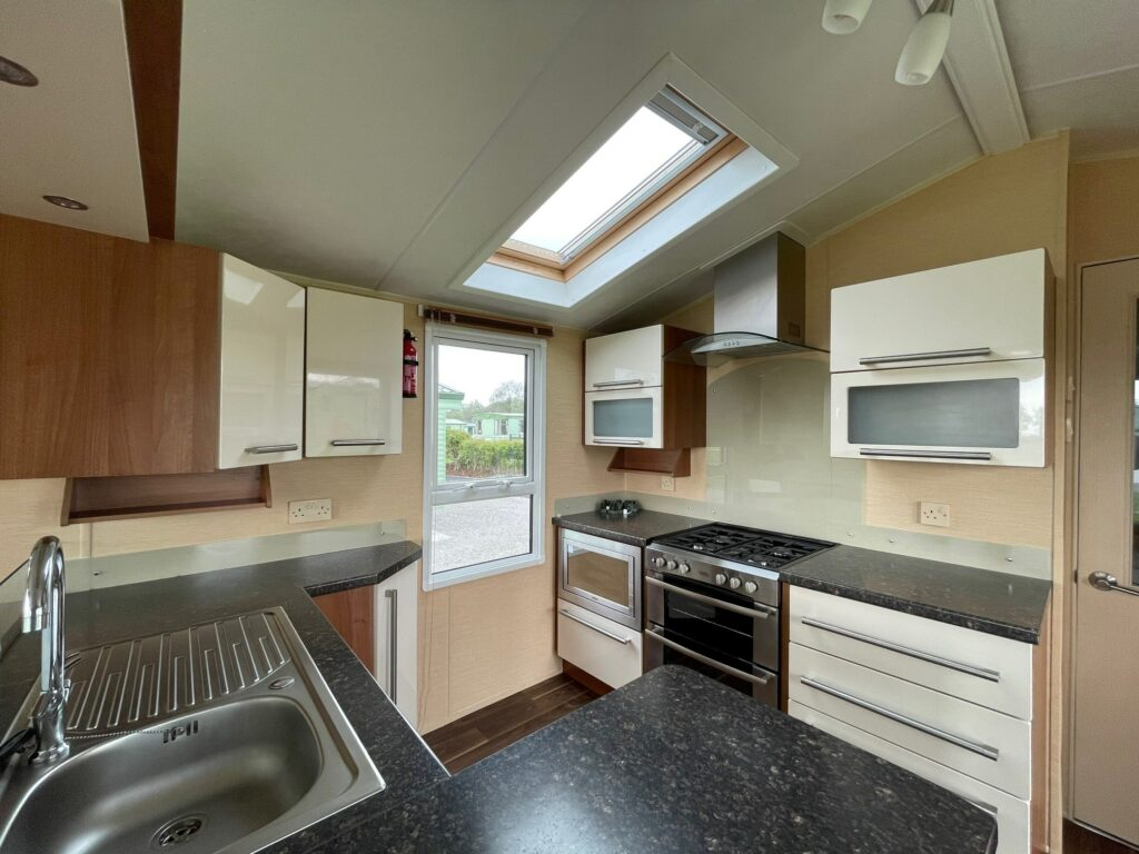Previously Owned 2011 Aspen Scenic for sale at Holgates Ribble Valley (5)-min
