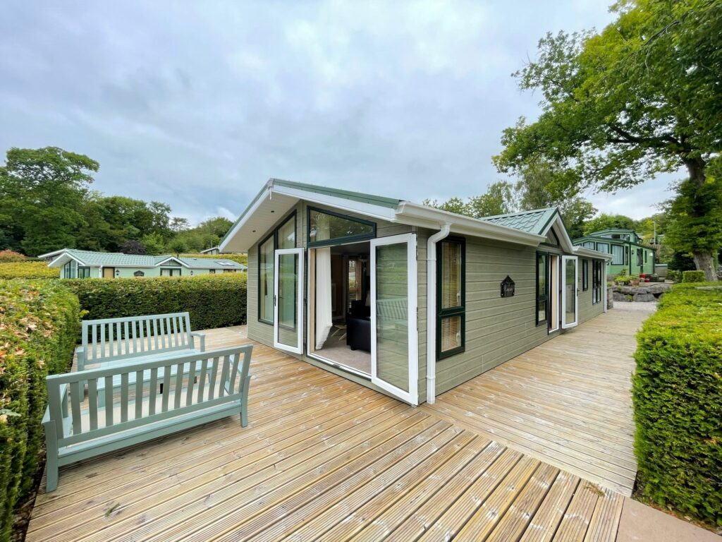 Previously Owned 2009 Willerby New Hampshire Lodge (1)-min