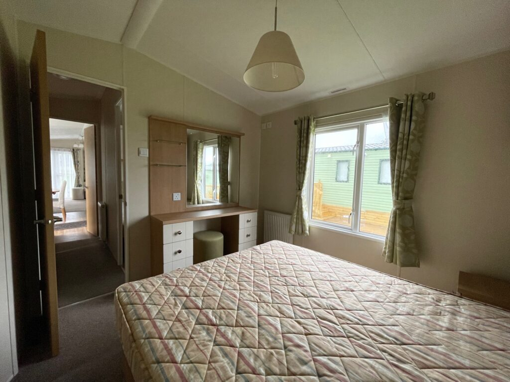 2016 Willerby Lyndhurst for sale at Holgates Ribble Valley11