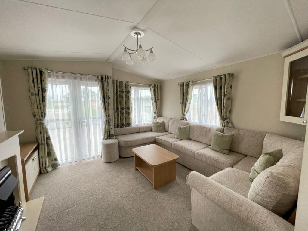 2016 Willerby Lyndhurst for sale at Holgates Ribble Valley4