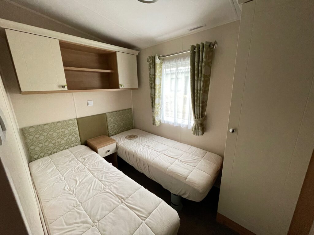 2016 Willerby Lyndhurst for sale at Holgates Ribble Valley9